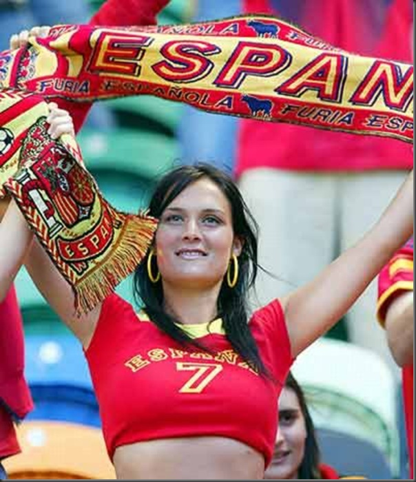 Resultado de imagem para torcedora da espanha